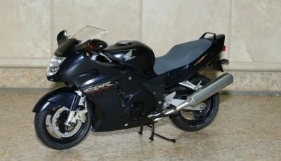 Мои модели 1 12, 1 10 и др. Riggs  - 112 Honda CBR1100XX Super Blackbird Tamiya (1).JPG