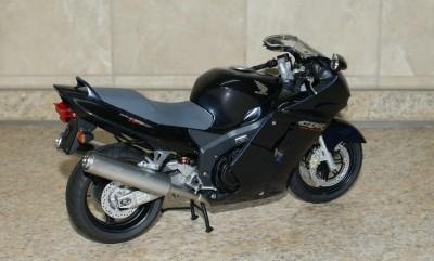 Мои модели 1 12, 1 10 и др. Riggs  - 112 Honda CBR1100XX Super Blackbird Tamiya (2).JPG
