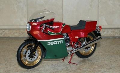 Мои модели 1 12, 1 10 и др. Riggs  - Ducati 900 'Mike Hailwood Replica' - Tamiya (7).JPG
