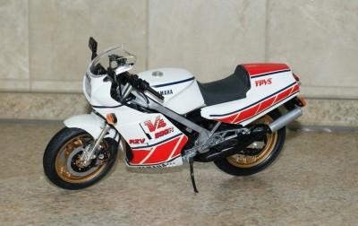 Мои модели 1 12, 1 10 и др. Riggs  - 112 Yamaha RZV500R Tamiya (1).JPG