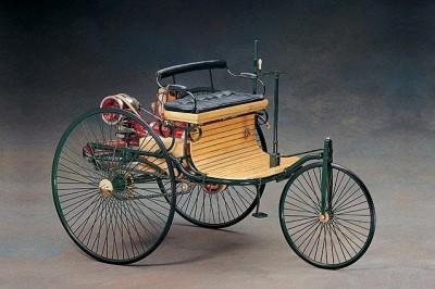 Мои модели 1 12, 1 10 и др. Riggs  - Benz_Patent_Motor_1886..jpg