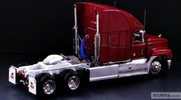 My trucks 1:32, 1:34 - MackTracktor-03.jpg