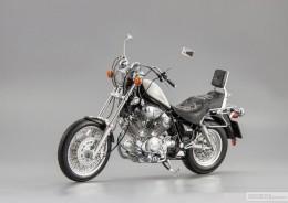 Мои модели 1 12, 1 10 и др. Riggs  - 1989 Yamaha XV 1100 Virago SCHUCO (1).jpg